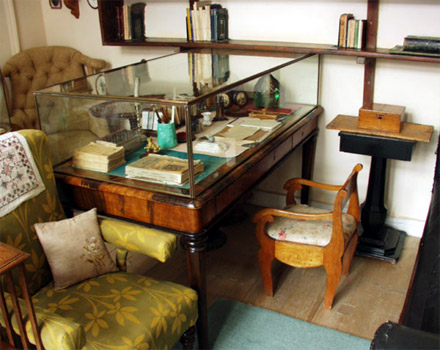 Writing Desks Of Famous Authors Home Library Design And